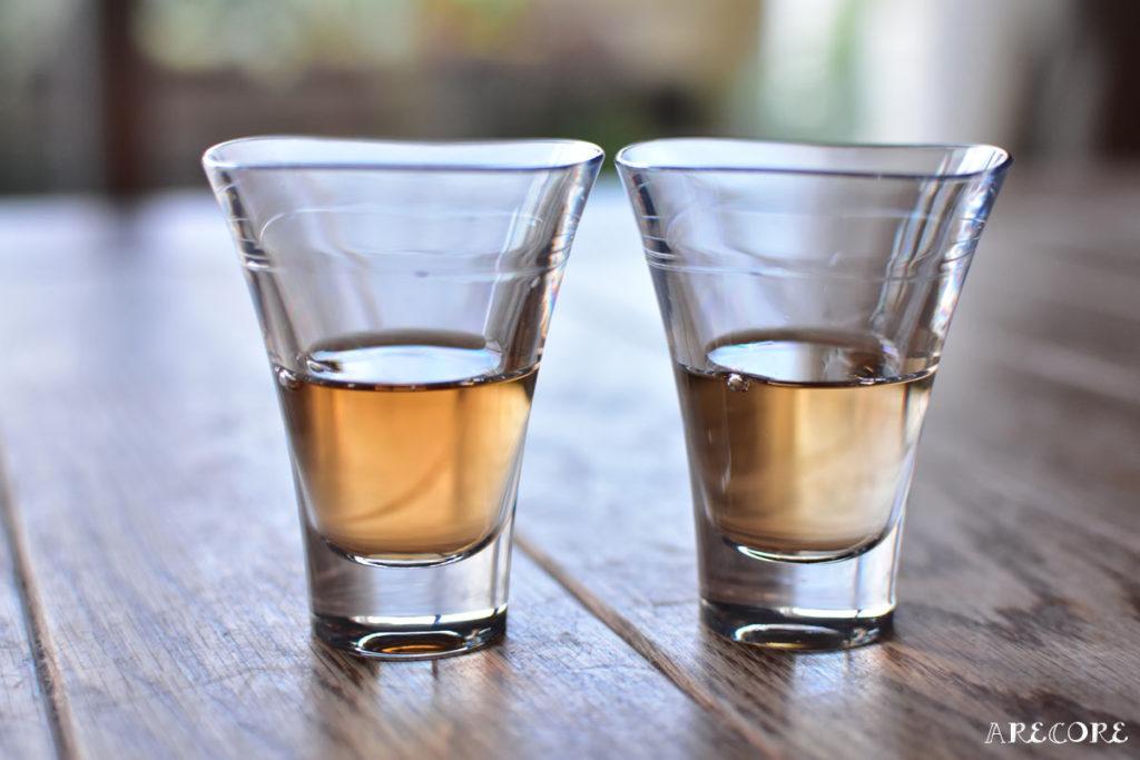 左が日本酒仕込み、右がホワイトリカー